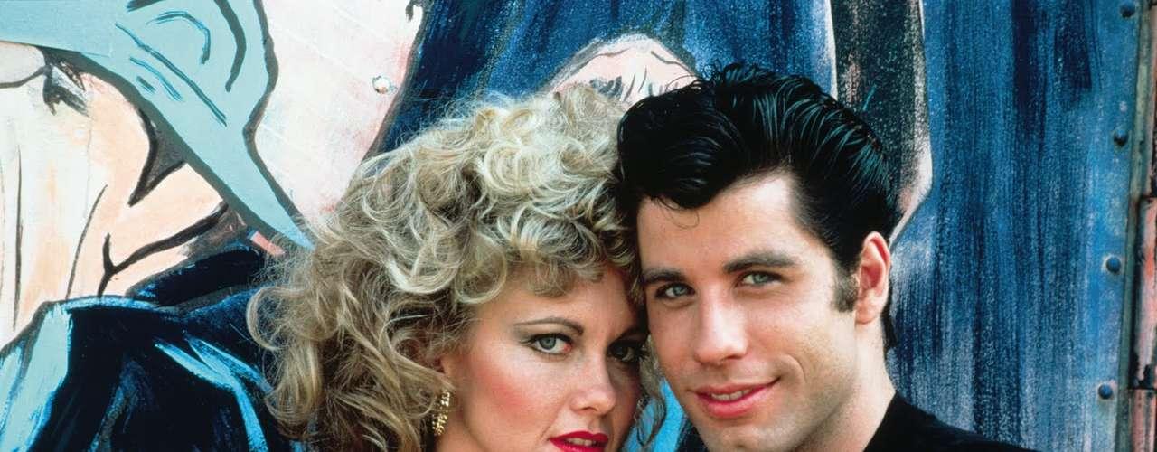 'Grease' se ha convertido en un fenómeno musical desde su estreno en 1978. cientos de escuelas de teatro alrededor del mundo han hecho adaptaciones del musical protagonizado por John Travolta y Olivia Newton-John. 'Summer Nights' y 'Grease' son ya grandes clásicos de la música cinematográfica.