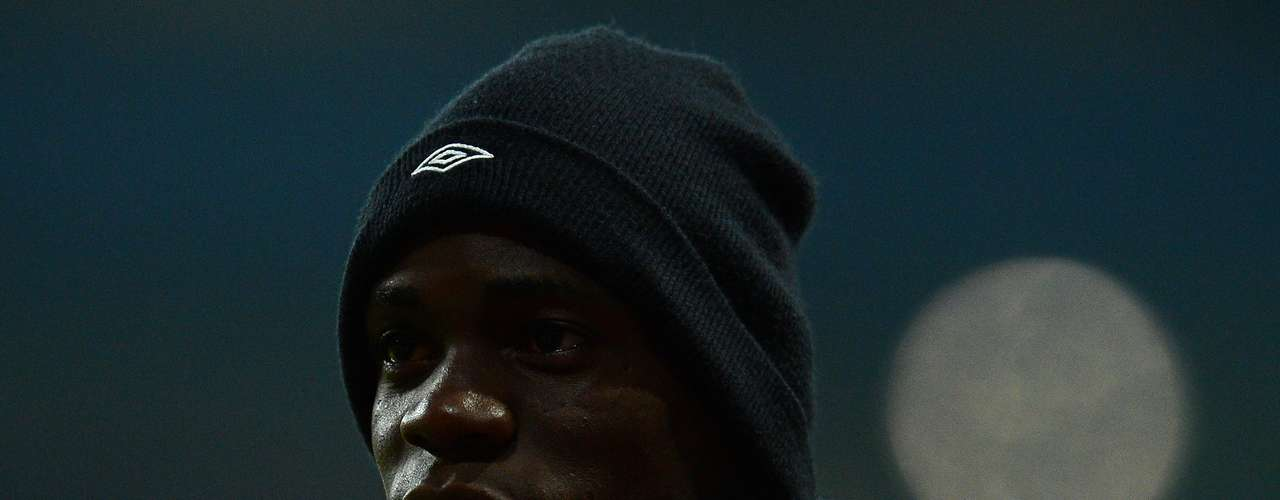 Mario Balotelli moved from Manchester City to Milan for US$27 million.