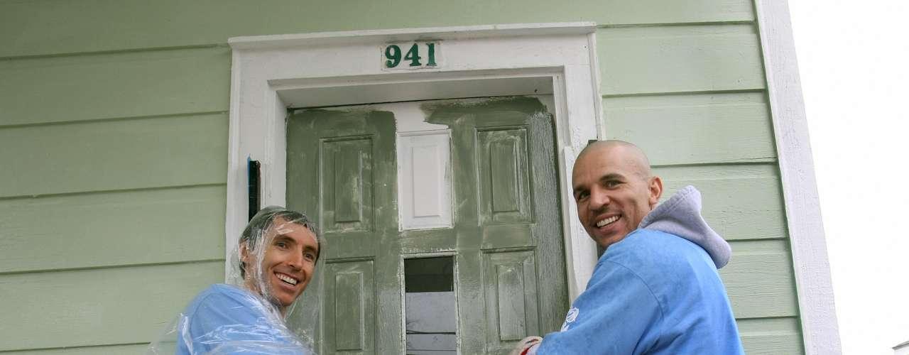 Jason Kidd y Steve Nash fueron otras de las estrellas de la NBA que participaron en la jornada de reconstrucción, organizada por NBA Cares.