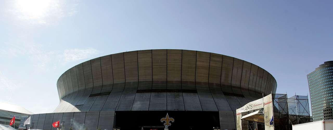 El evento de reapertura del Superdome fue una fiesta de fútbol y música que presenciaron 70,003 asistentes, que Goo Goo Dolls inauguró con un concierto al aire libre.