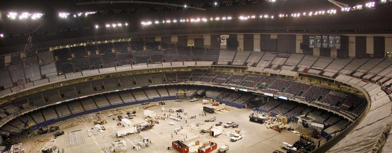 Como parte del remozamiento que comenzó después del Katrina, el domo fue levantado de nuevo, se construyeron más palcos de lujo, una nueva zona de prensa y nuevos vestidores.