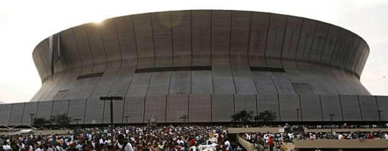 Por eso, se convirtió en uno de los símbolos de la tragedia, al igual que de la fortaleza de Nueva Orleans pues, pese a los serios daños que sufrió, se convirtió en uno de los principales refugios de los habitantes de la ciudad que no pudieron desplazarse a otros lugares del país.