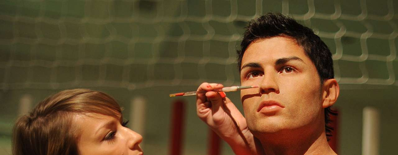 On a curious note, CR7 has a wax statue of himself in Madame Tussauds in London, from his participation in the South Africa World Cup in 2010.
