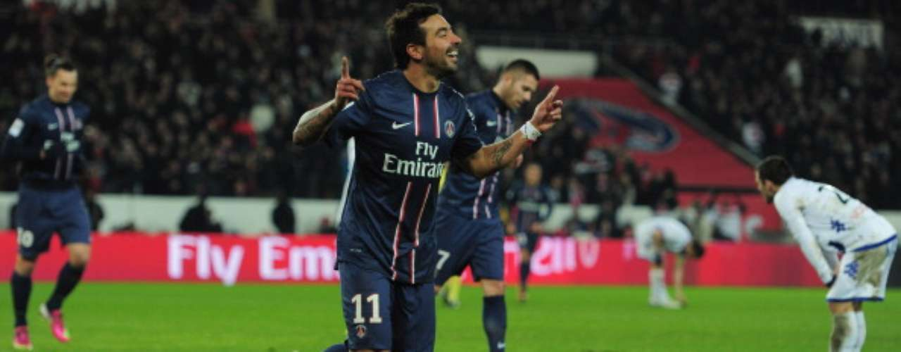 El Bastia descontó, aunque cerca del final, el argentino Ezequiel Lavezzi selló el marcador (3-1) a favor del París Saint-Germain.