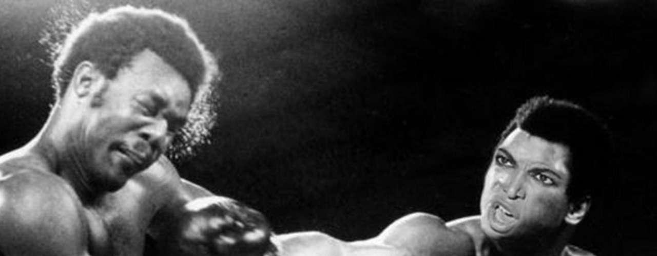 Con un poco de imaginación, Beyoncé puede tomar el lugar de un boxeador plantándole un knock-out a su rival sobre el ring.