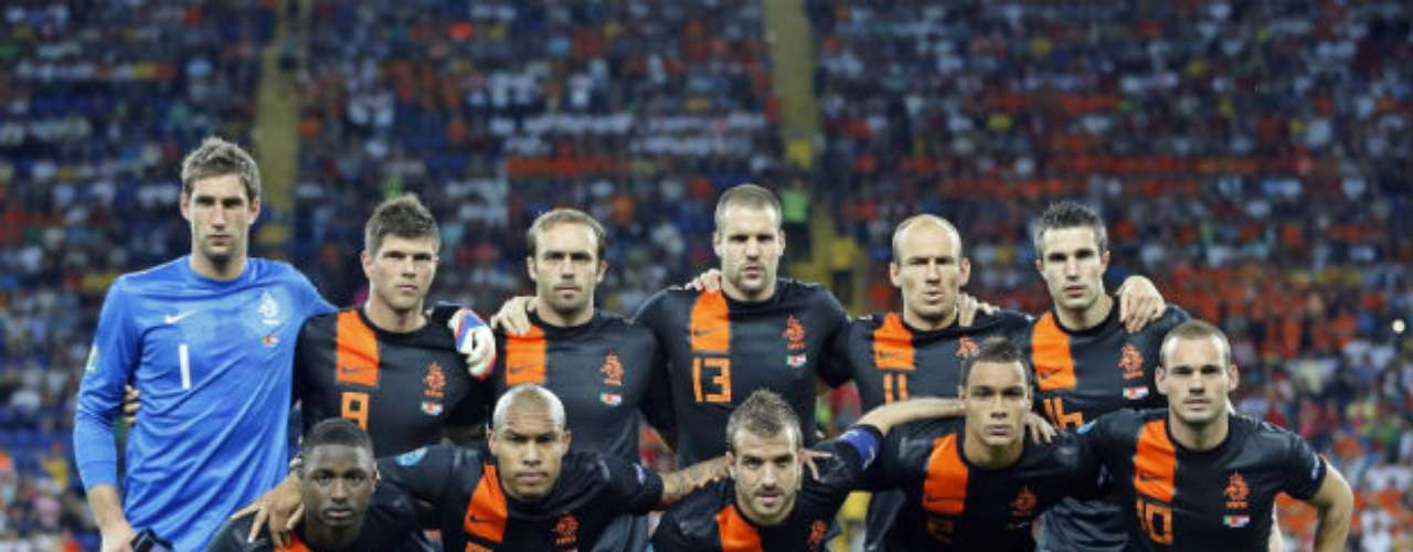 Netherlands, in the Euro 2012, used this elegant black jersey with orange fetails. In the last years, the team has also used white and blue uniforms