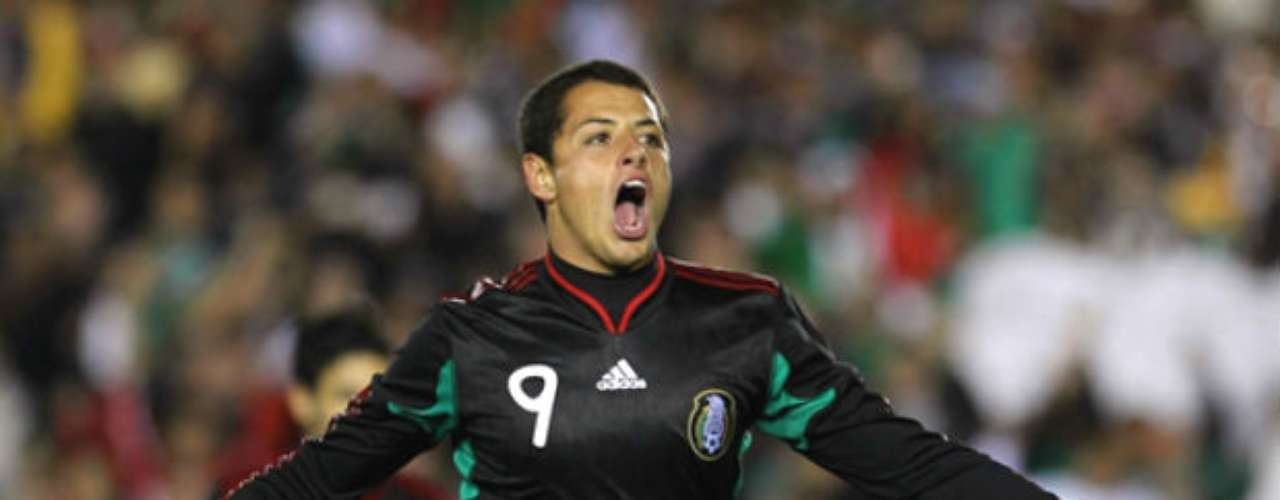 In the American continent, Mexico also used the black jersey, becoming a fan favorite almost immediately. El Tri broke with tradition of the usual white, green and red to go dark. In the 2010 World Cup they used the color in their debut against South Africa.