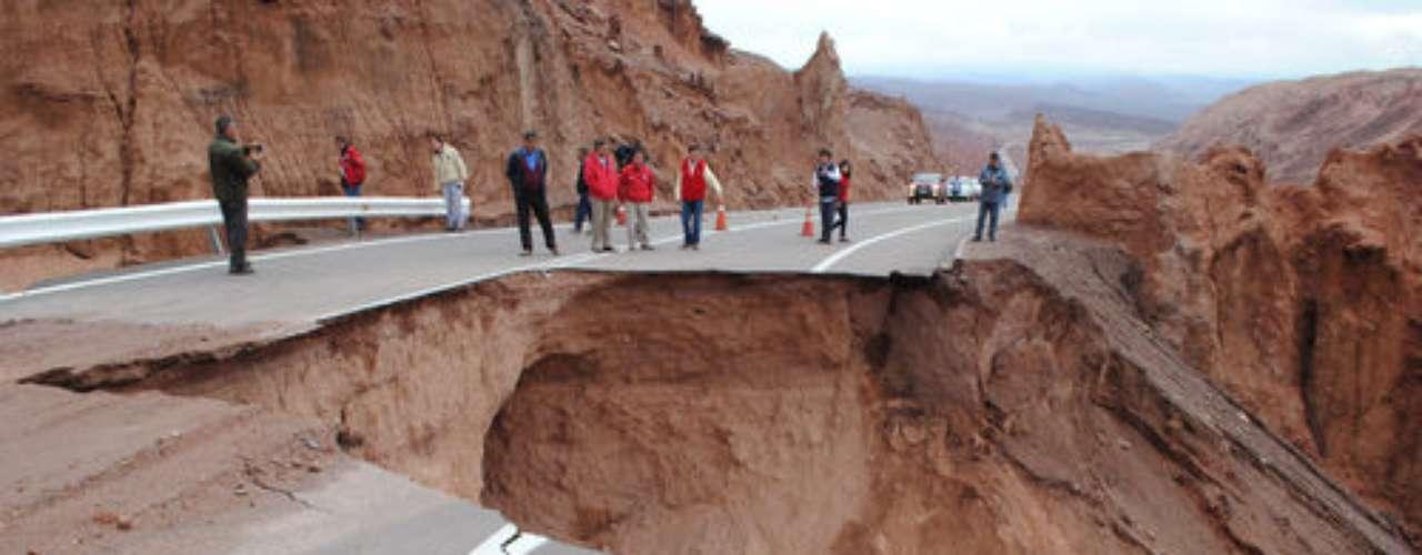 Las lluvias altiplánicas mantienen a San Pedro de Atacama con alerta roja y a la Provincia del Loa con alerta Temprana Preventiva, según informó la Oficina Nacional de Emergencias (Onemi). En ese sentido, las últimas precipitaciones registradas afectaron a un total de 432 personas, de las cuales 156 se encuentran damnificadas.