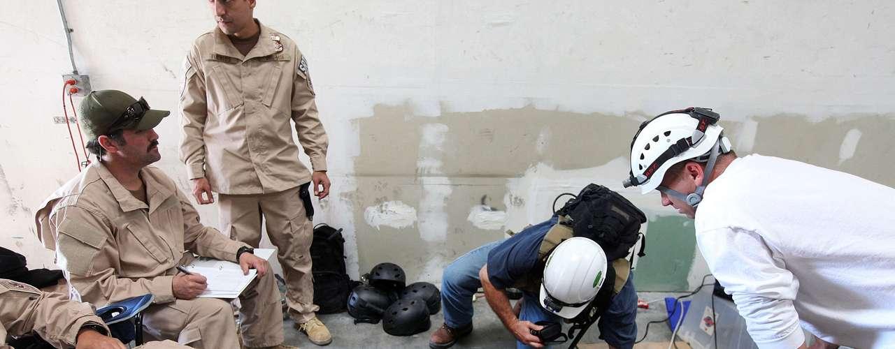 Aunque los túneles son empleados principalmente para traficar marihuana hacia terreno estadounidense, los agentes del Departamento de Seguridad aseguran que presentan 'una significativa amenaza de seguridad', y podrían también ser utilizados para traficar armas o efectivos a través de la frontera.