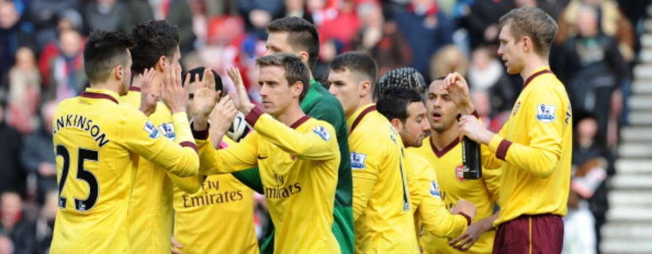 Arsenal llegó a 44 puntos y se ubica quinto de la Premier.