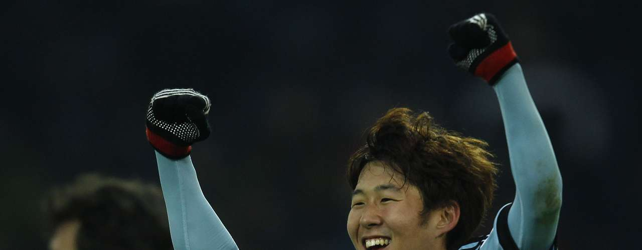 Hamburger SV's Heung Min Son celebrates a goal against Borussia Dortmund.