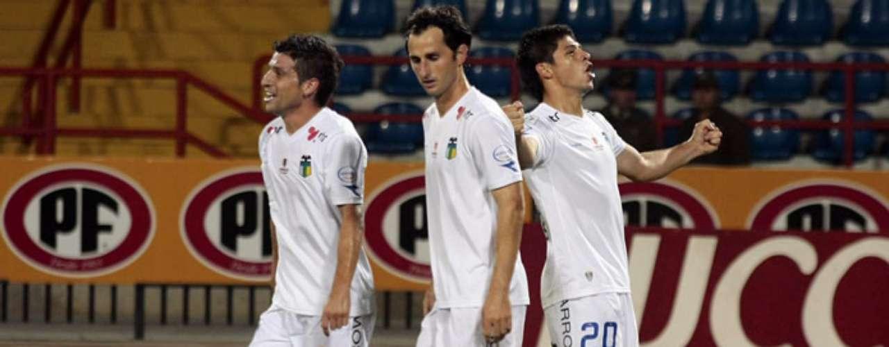 El último monarca del fútbol nacional perdió como local ante los celestes por 2-0 en el inicio de la tercera fecha del Torneo.