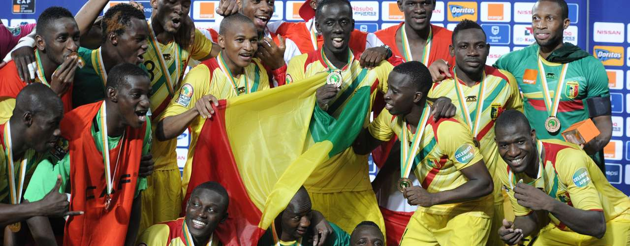 Mali poses with its bronze medals after defeating Ghana 3-1.