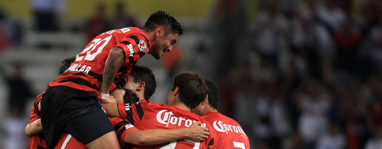 La euforia se desbordó entre los jugadores de Atlas debido a que ahora se alejan a siete puntos de Querétaro.