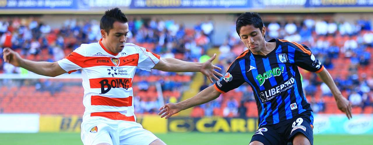 Gallos Blancos got a 1-1 draw against a Jaguares team that kept missing. The goals came from   Jorge Rodríguez for Chiapas and Amaury Escoto for the locals.
