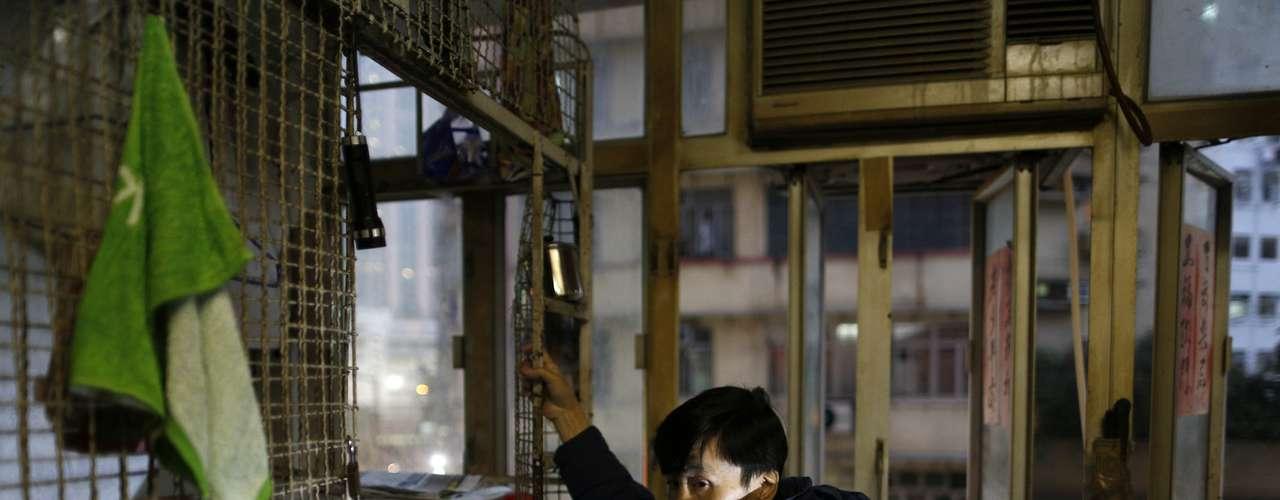 Leung llegó a la presidencia del Ejecutivo en julio, con la promesa de abastecer a la ciudad de hogares más accesibles, en un intento de aplacar la indignación popular. Durante los primeros diez meses de 2012, el precio de la vivienda aumentó un 23%, y desde que tocó piso en 2008, durante la crisis financiera global, se duplicó, según un informe del mes pasado del FMI. El precio de los alquileres ha seguido el mismo derrotero.