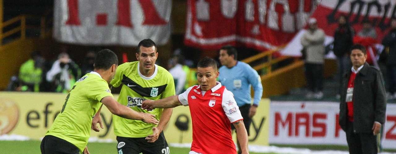 Luis Carlos Arias, la gran figura de Santa Fe, en el empate a dos goles con Nacional.