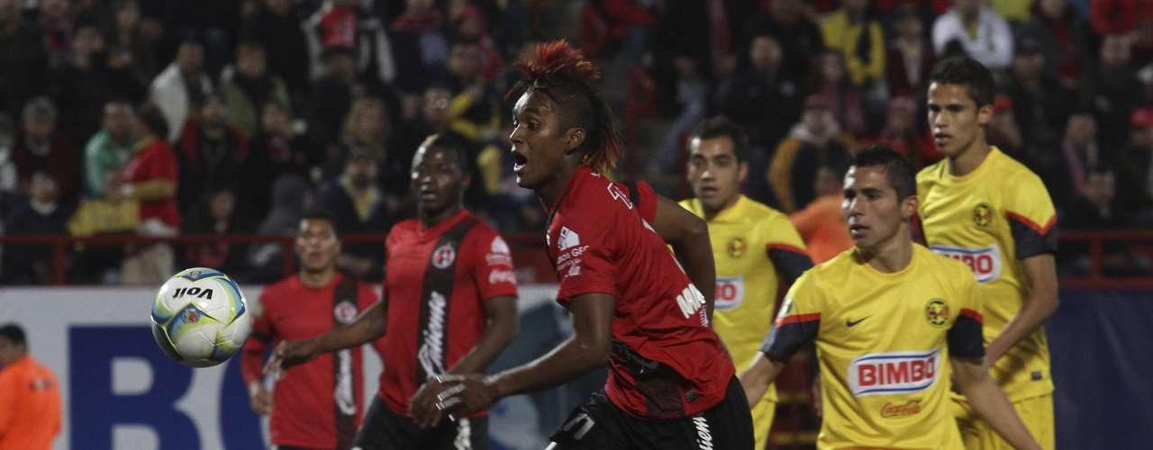 Tras el gol americanista, Xolos se lanzó con todo al frente para buscar el empate.