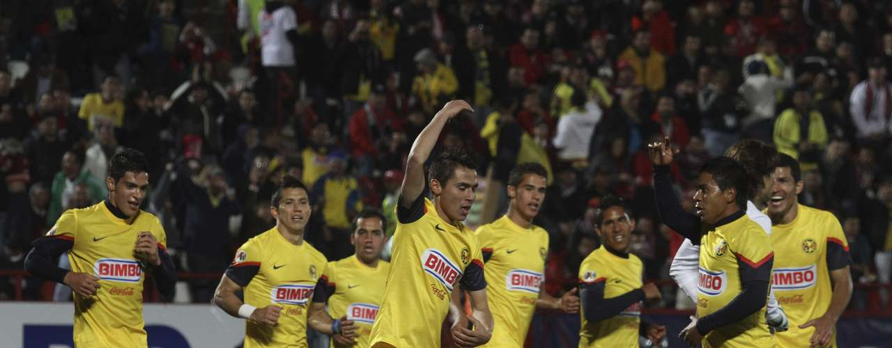 América le quitó el invicto a Xolos al vencerlo 2-1 en Tijuana con goles de Osvaldo Martínez y Paul Aguilar.