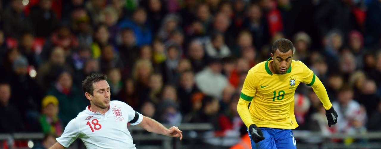 Lucas:fichado a precio deoro porelParis St. Germain, Lucas Moura debe demotrar su calidad con la 'Canarinha'. En su primer partido, Luiz Felipe Scolari utilizó al centrocampista ofensivo en la segunda mitad.