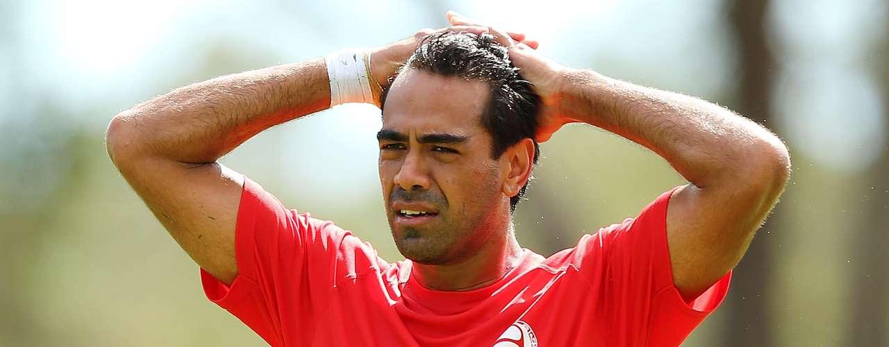 Nicolas Vallar: uno de los pocos jugadores con experiencia internacional de Tahití, el defensor jugó en equipos como el Montpellier, Francia, y Penafiel, Portugal. Es uno de los líderes del equipo que acaba de hacer historia al participar en la Copa Confederaciones.
