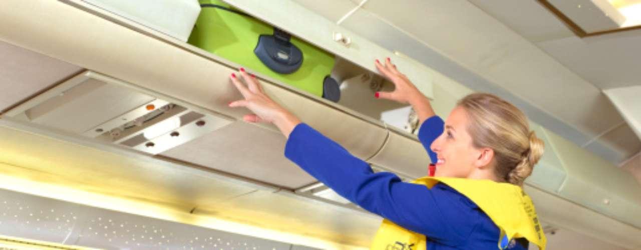 4. Que tengas que colocarles en los compartimentos la maleta de mano. Y más cuando son grandes y pesadas. Al respecto, Gema señala: \