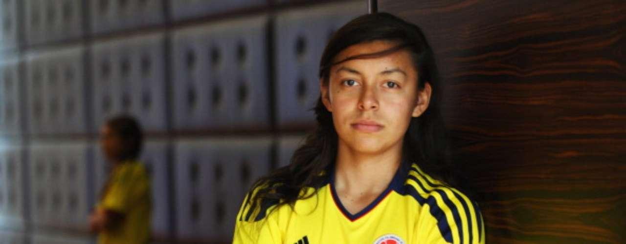 Yoreli Rincón (Fútbol-Colombia): Esta linda mediocampista una de las mejores jugadoras que ha dado un país con poca tradición en el fútbol femenino. Fue una de las artífices de la clasificación de Colombia a su primer mundial femenino de mayores, el de Alemania 2011, además de que guió a su país a su primera participación en unos Juegos Olímpicos, en Londres 2012.
