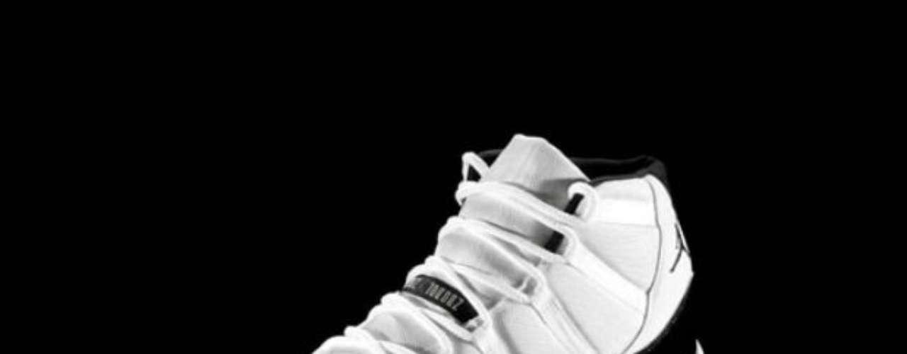 Quizá este modelo es de los más populares de Jordan, mismo con el que regresó de su retiro en 1996, año también donde ganó su cuarto título de la NBA.