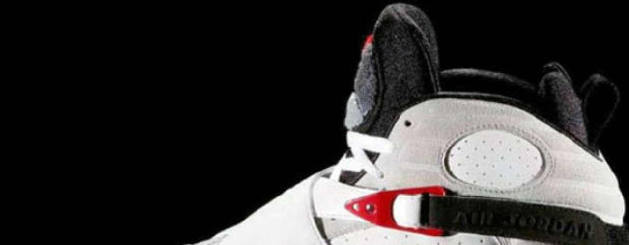Con estas zapatillas, Su Majestad ganó su tercer campeonato de la NBA.