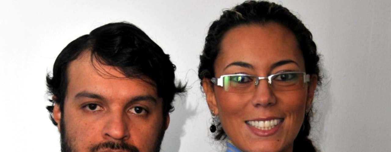 Dos reconocidos actores colombianos realizaron un desnudo pero esta vez para teatro. Julián Román y Andrea Guzmán se quitaron la ropa en 2007 para la obra Crónica de una muerte anunciada, basada en la novela del escritor colombiano Gabriel García Márquez.