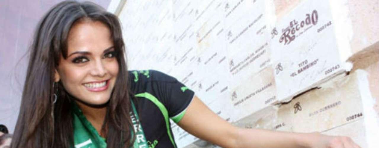 Marisol, quien ha trabajado en diversas coberturas deportivas, quizá pueda tener su corazón dividido ya que actualmente mantiene una relación con el delantero de Chivas, Rafael Márquez Lugo.