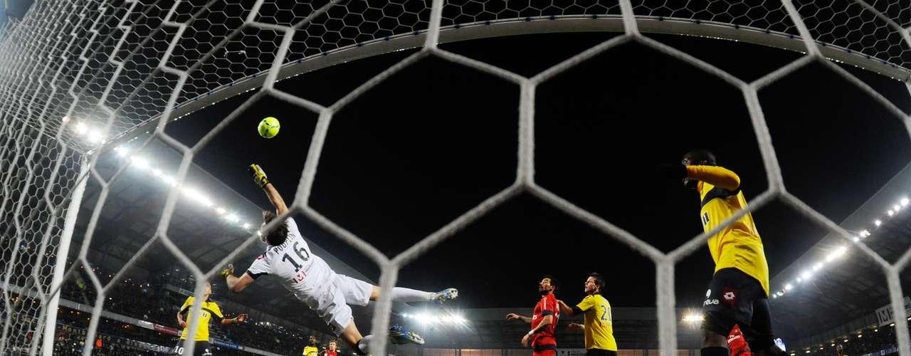 Alex abrió el marcador para el conjunto visitante en el minuto 29.
