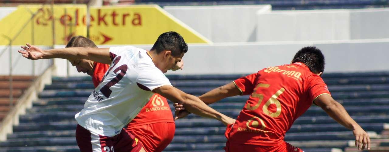 Heriberto Muñoz no pudo causar peligro en esta acción; Neza se impuso en casa con tanto de su goleador, Rodrigo Prieto (minuto 57).