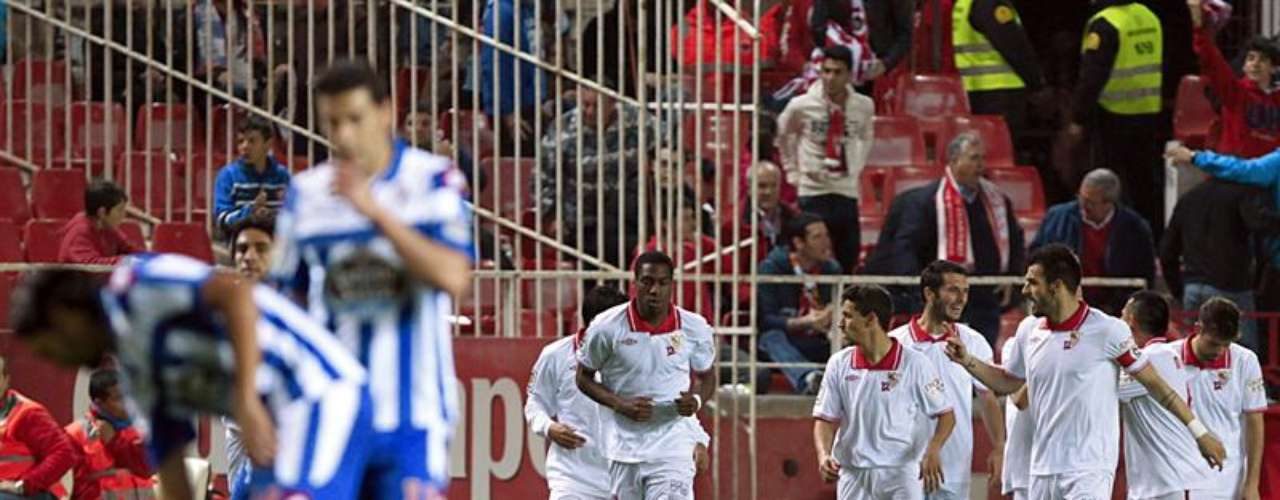 Sevilla took out Deportivo La Coruna 3-1.