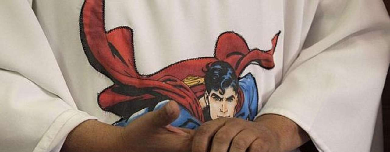 The priest, who belongs to the city movement #YoSoy132, first used the superhero robe during a Mass in 2012.