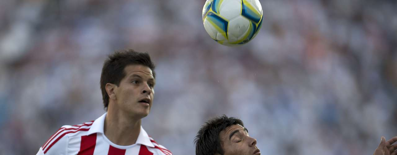 Sergio Pérez went after the ball in his debut.