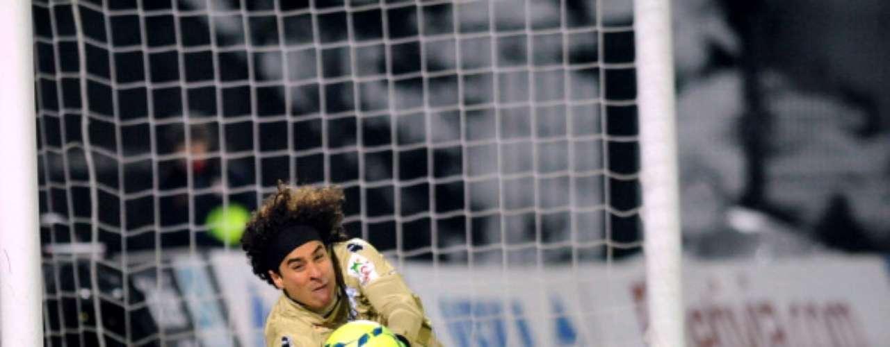 Guillermo Ochoa tuvo otra sólida actuación para el Ajaccio, que rescató el empate 1-1 en campo del Brest.