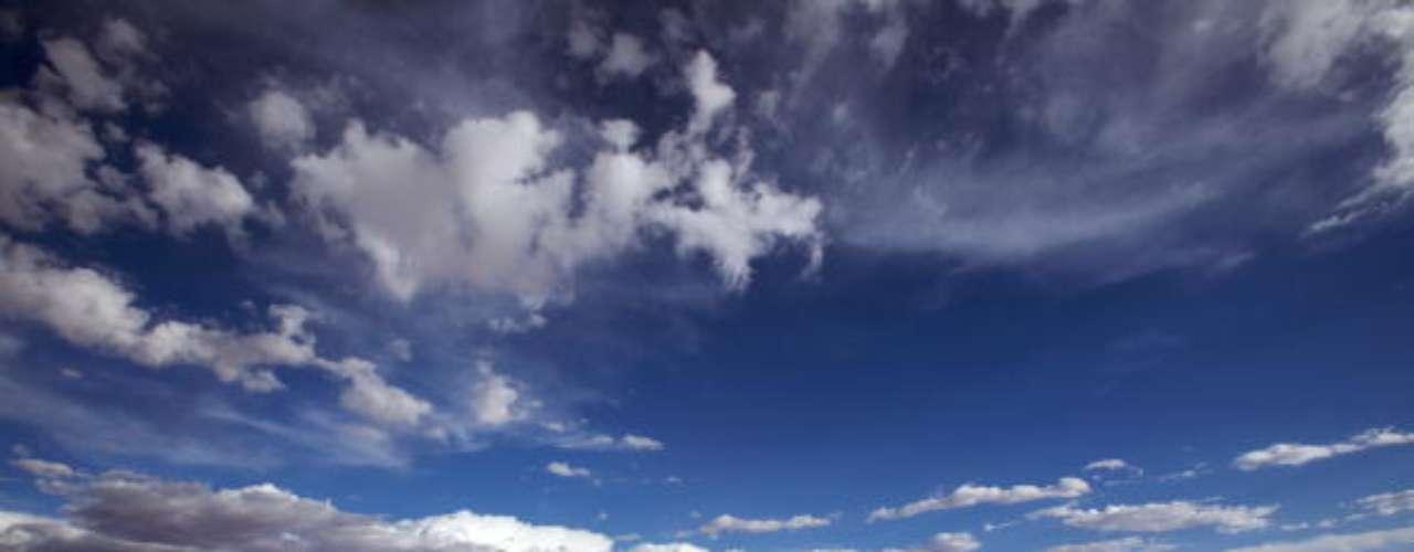 La prestigiosa revista inglesa 'Lonely Planet'reveló una lista de las 10 atracciones naturales más espectaculares del mundo. Aquí la lista de estas maravillas: 1 - Salar de Uyuni, Bolivia