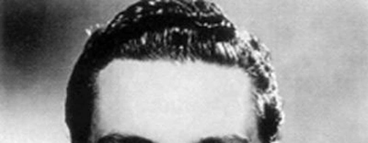 Nacido el 16 de agosto de 1923 en Puebla, centro de México,Cordero era uno de las últimas grandes figuras vivas de la llamadaÉpoca de Oro del cine mexicano.Famosos hispanos que han luchado contra el cáncerEncuentra páginas de tus novelas favoritas en orden alfabéticoActores hispanos que murieron en 2012Actores que murieron en 2011