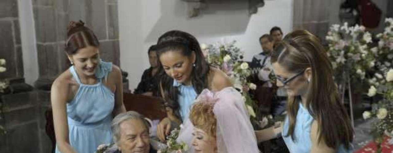Cuando contrajo nupcias, cerrando una hermosa historia de amor, con Silvia Pinal en la telenovela 'Fuego En La Sangre'.Famosos hispanos que han luchado contra el cáncerEncuentra páginas de tus novelas favoritas en orden alfabéticoActores hispanos que murieron en 2012Actores que murieron en 2011