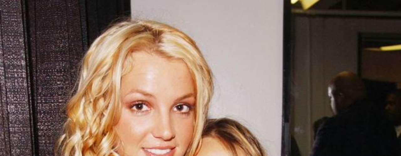 Las que para nada son rivales son las hermanas Spears. Britney ayudó a que Jamie Lynn Spears iniciara una carrera en el mundo del espectáculo.
