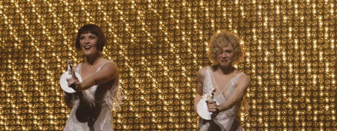 'Chicago': Esta adaptación de la exitosísima obra musical de Broadway de Bob Fosse sobre unas reclusas en los años 20 que buscan el foco mediático para salvarse de la orca, obtuvo 6 premios Oscar de los 13 a los que estaba nominada en 2003, incluyendo el de mejor actriz de reparto (Catherine Zeta-Jones) y mejor película.