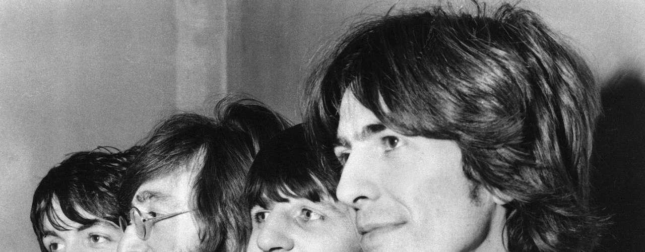 Pero, ¿cuál era la razón de su 'locura'? El 'Álbum Blanco' de Los Beatles, especialmente la canción 'Helter Skelter', la cual Manson interpretaba como un llamado al fin del mundo de una manera apocalícptica.