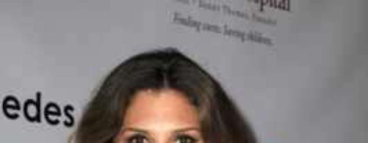 La modelo y actriz Daisy Fuentes es más conocida por haber mantenido una relación sentimental con el cantante mexicano Luis Miguel que por otra cosa.Actrices de novela: ¿De quién es esta gran 'pechonalidad'?Actrices que se 'inflamaron' con el tiempoEstrellas de novela que se han desnudado en PlayboyDos actrices, un personaje... ¿Quién lo hizo mejor?