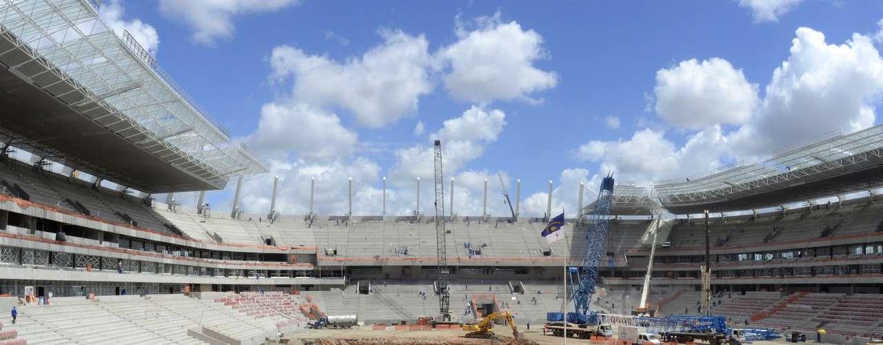 20 de febrero de 2013: La constructora responsable anunció la conclusión de las gradas de la Arena Pernambuco, que concluye el mes de febrero con un 90.10 por ciento de las obras concluidas.