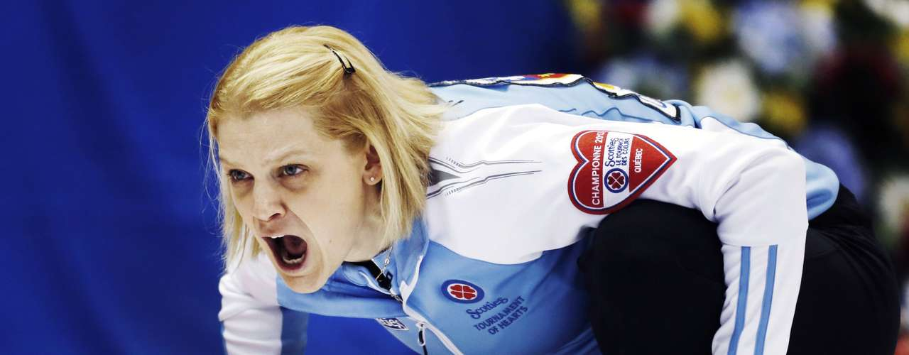 Quebec skip Allison Ross shouts instructions to her team against Prince Edward Island during the eighth draw at Scotties Tournament of Hearts curling championship in Kingston, February 19, 2013.    REUTERS/Mark Blinch (CANADA - Tags: SPORT CURLING)