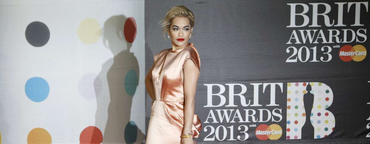 Singer Rita Ora arrives for the BRIT Awards at the O2 Arena in London February 20, 2013.   REUTERS/Luke Macgregor (BRITAIN  - Tags: ENTERTAINMENT SOCIETY)