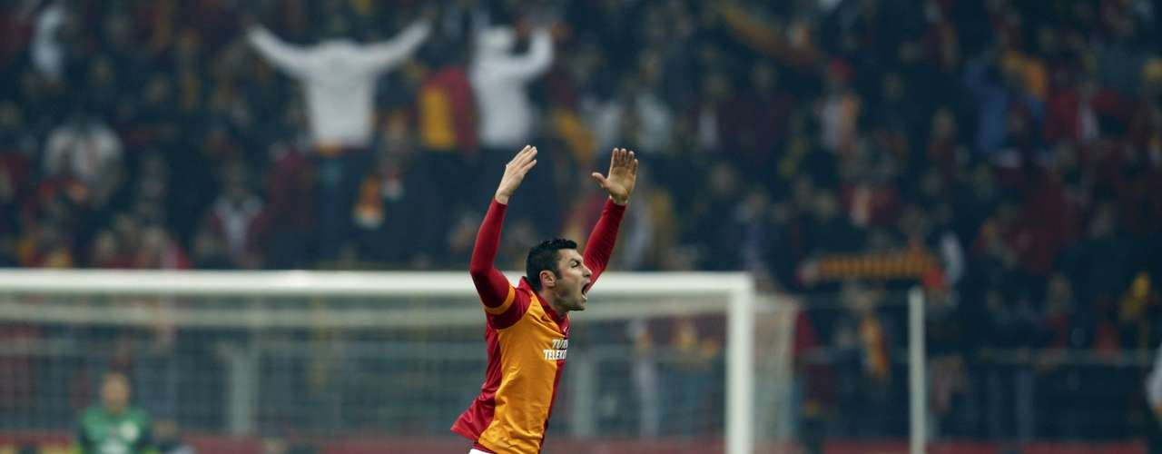 Galatasaray's Burak Yilmaz celebrates his goal against Schalke 04. REUTERS/Murad Sezer