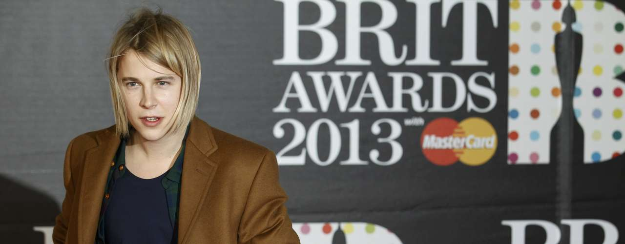Singer Tom Odell arrives for the BRIT Awards at the O2 Arena in London February 20, 2013.   REUTERS/Luke Macgregor (BRITAIN  - Tags: ENTERTAINMENT SOCIETY)