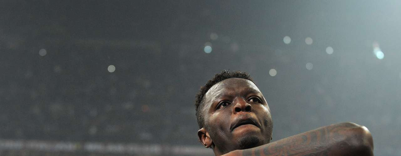 Sulley Muntari sealed the victory with his goal and then looked toward the crowd for deserved adulation.